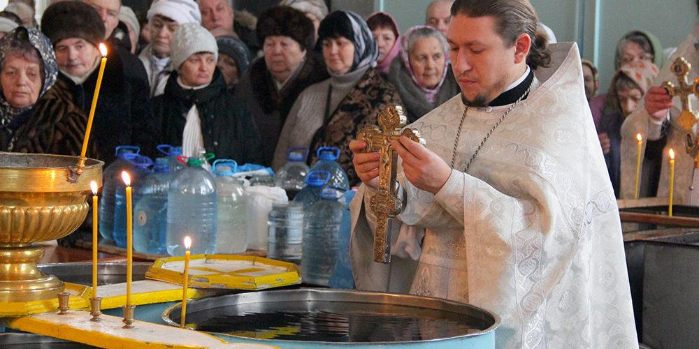 Праздник Крещения Господня встретили в храмах благочиния