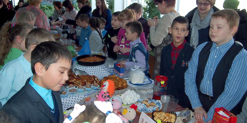 В Березовской школе состоялись Рождественская ярмарка и праздничные представления