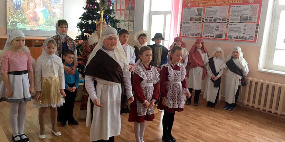В школе села Водоватова прошло Рождественское представление