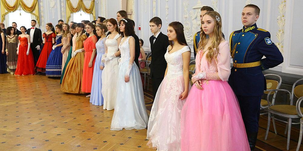 Активисты православного молодежного движения благочиния посетили Сретенский бал